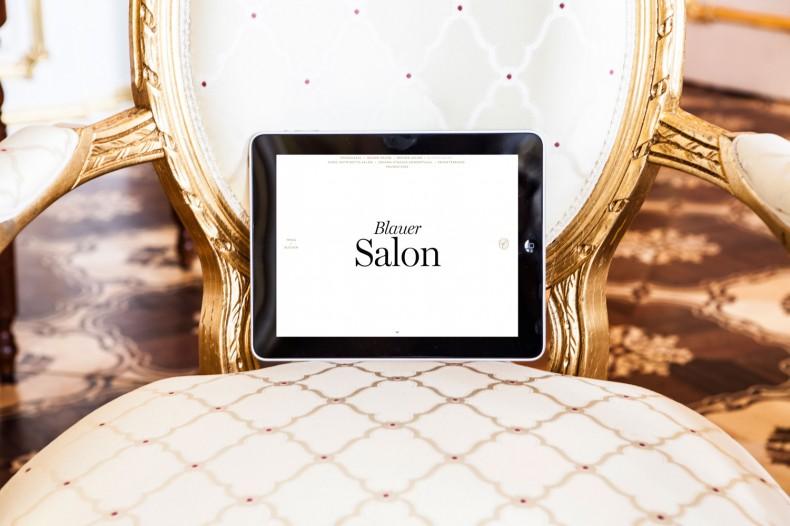 Palais Coburg – Website auf dem Tablet